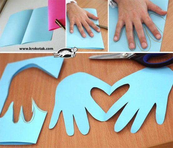cartão coração molde de mão